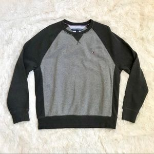 Tommy Hilfiger Large crew neck gray sweater